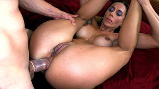 Sexy Latina Fiona Rivers gets her asshole stretched out