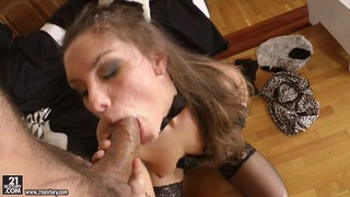 Gorgeous babe gets her face sprayed with cock juice