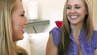 Hot MILF Julia Ann shares big dick with a hot babe Van Wilde