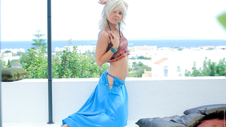 Belly Dancing with Blondie