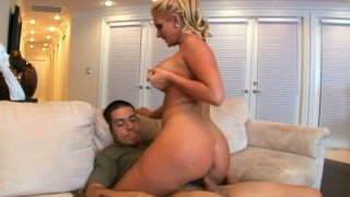 Big and phat booty of Phoenix Marie bounces on huge dick
