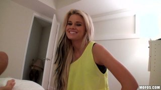 Outaregously beautiful blonde Jessa Rhodes gives amazing blowjob on POV vid