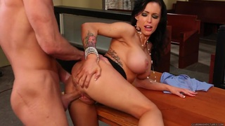 Jenna Presley stuffs her mouth with this hard cock