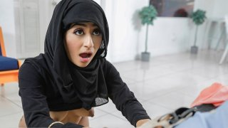 Petite Muslim hottie Binky Beaz shows off her oral skills to her neighbor