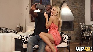 Nesty and black boyfriend take selfies